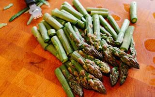 sayuran dimakan mentah asparagus