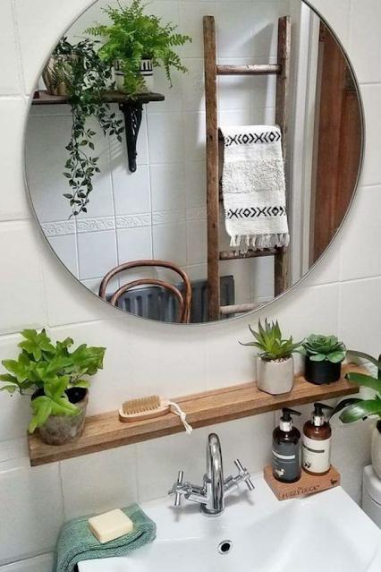 banheiro decorado com plantas