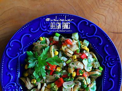 MANTAR SALATASI TARiFi nasıl yapılır kolay nefis değişik lezzetli salata meze tarifleri yapımı mushroom salad recipe