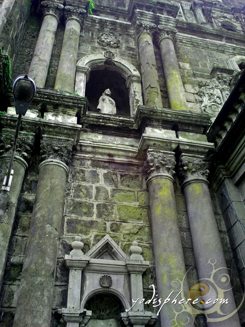 Current granite church and details of the facade of Binondo Church