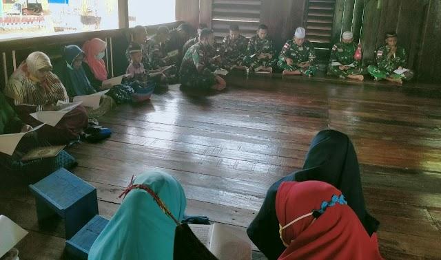 Di Bulan Suci Ramadhan, TNI di Perbatasan Papua Laksanakan Khatmul Qur'an Bersama Masyarakat