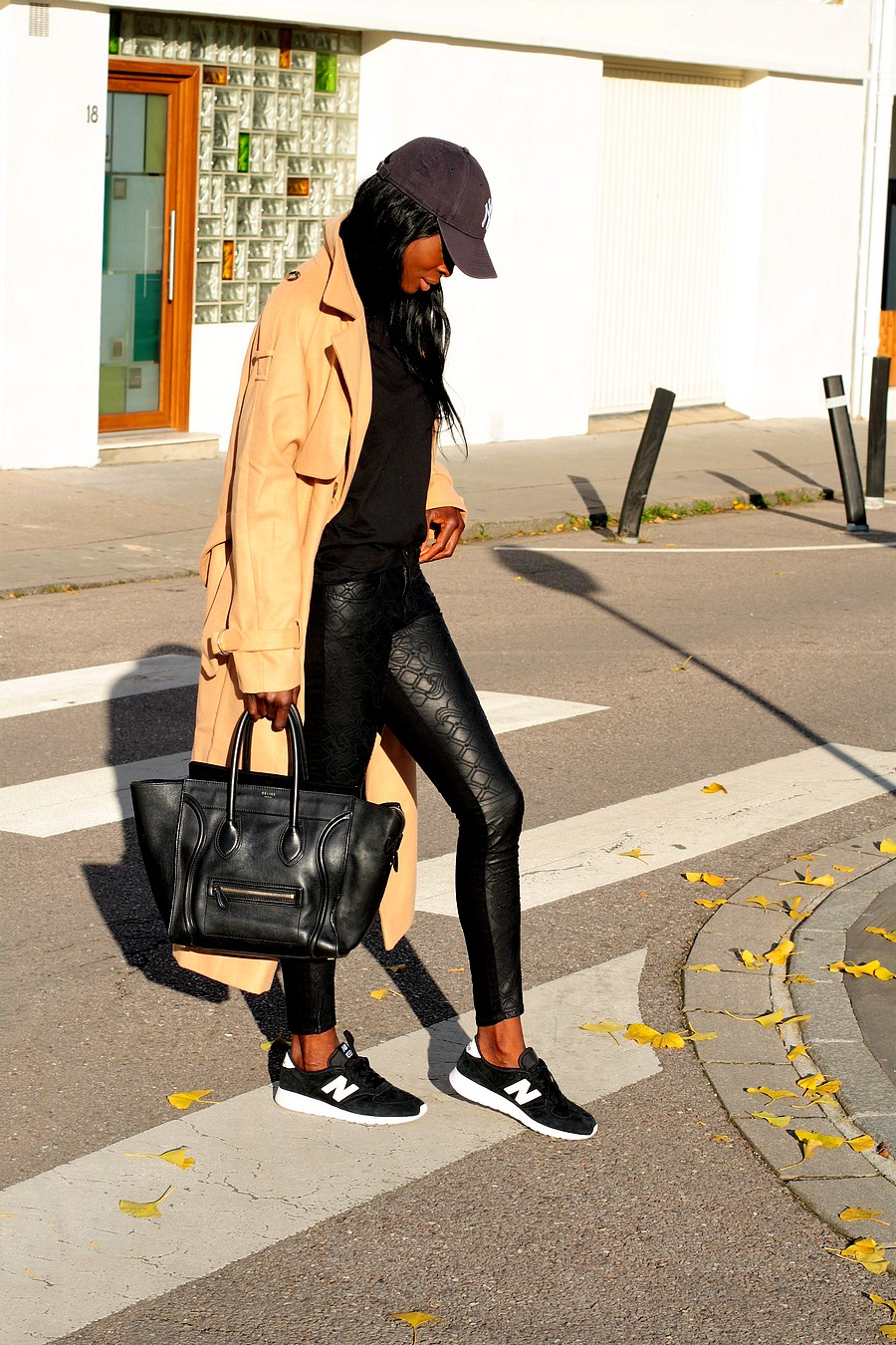 sac-celine-mini-luggage-manteau-long-camel-baskets-new-balance-420