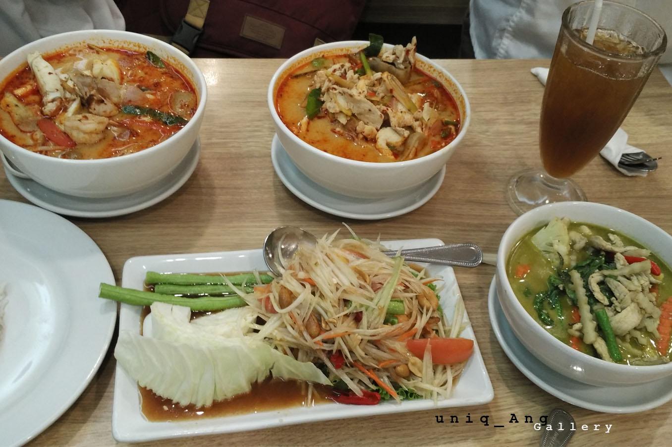 Berburu Makanan Halal Di Bangkok Ang Menulis Naraya Oat Choco Green Tea Flavour 40pc Enak Snack Teh Hijau Restoran Ini Ada Mbk Mall Yang Merupakan Favorit Pelancong Buat Belanja Oleh Atau Sekedar Shoping Kalau Sudah Lapar Dan Capek