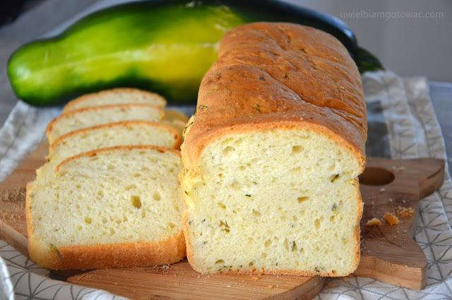 Chleb z cukinią na drożdżach
