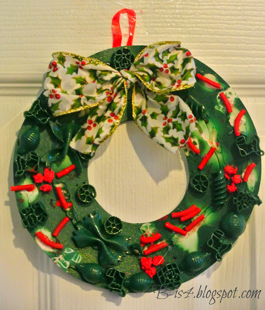 paper wreath, holidays