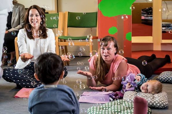 Crown Princess Mary launches anti-bullying programme for nurseries and daycare. Style royal, new dress, fashion new summer dress, Ted Baker London