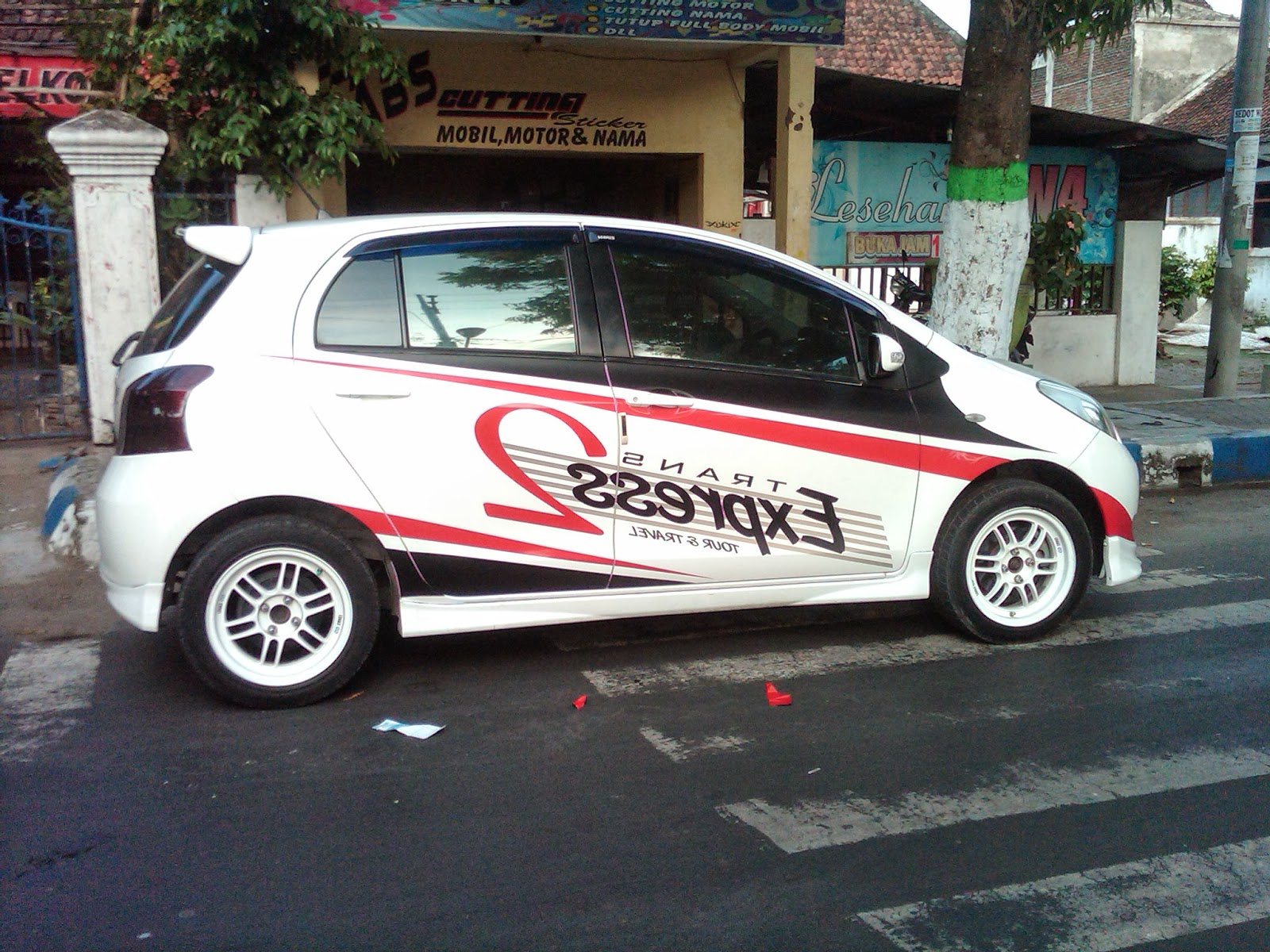 Cutting Sticker Mobil | Car Interior Design