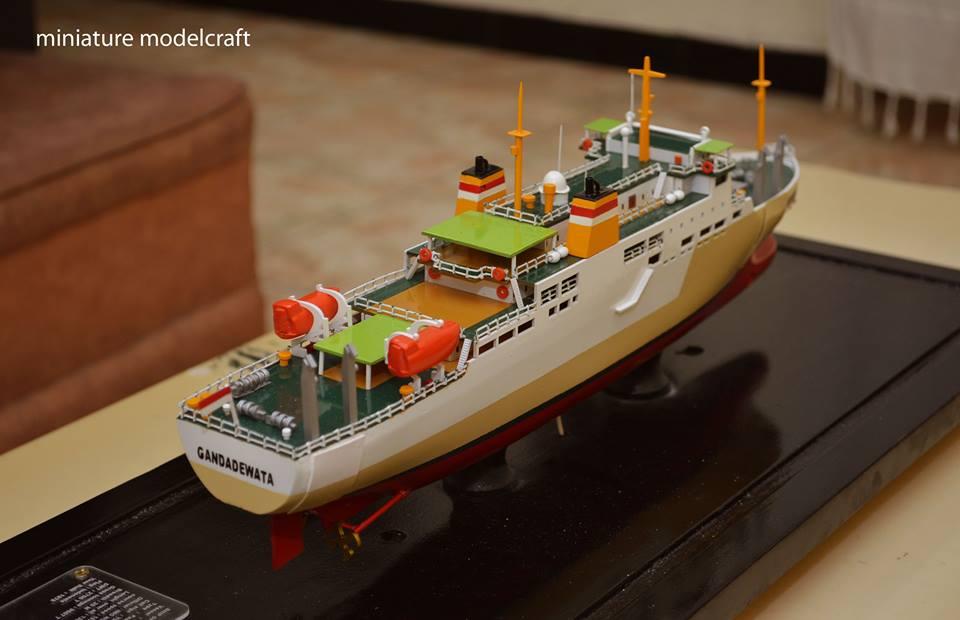 souvenir maket miniatur kapal penumpang pelni km ganda dewata bergaransi jakarta surabaya