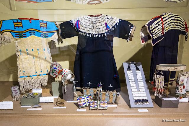 Indumentaria Niños Lakota - Akta Lakota Museum
