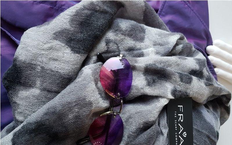 Fraas Schal und Ultra Violet
