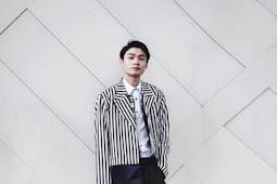 7 Inspirasi Style Hitam Putih Pria ala Instagram Ootd Indonesia
