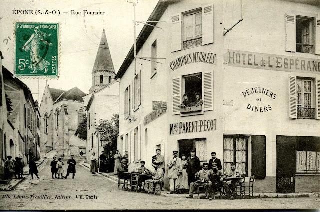 Un exemple de carte postale ancienne : la rue Fournier à Epone.