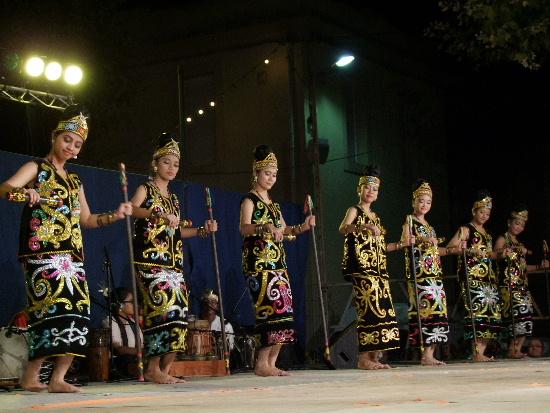 Tari Giring Giring, Tarian Tradisional Dari Kalimantan Tengah