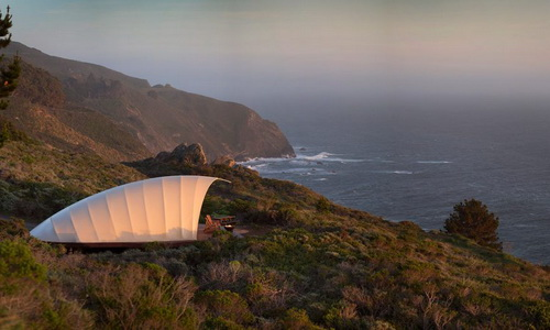Tinuku Tenda Kepompong Autonomous Tent Memberi Pengalaman Berkemah Mewah