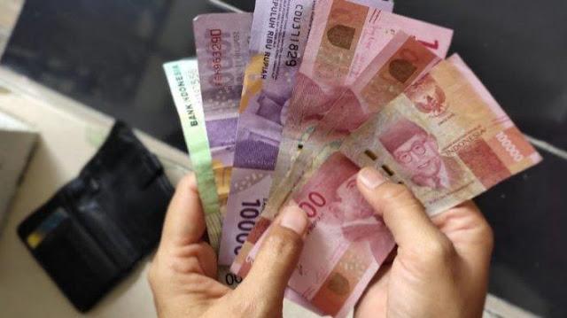 Tenaga Honorer Non PNS Akan Mendapatkan Gaji Tambahan Rp 600 Ribu Per Bulan