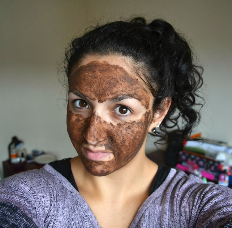 lush cupcake face mask applied