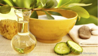 REFRESHING NATURAL MASK WITH CUCUMBER AND OLIVE OIL