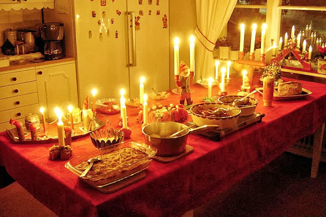 Julbordet i köket.