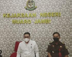 Korupsi APBDES, Kejari Muaro Jambi Limpahkan Berkas PJ Kades Sponjen ke PN Tipikor Jambi