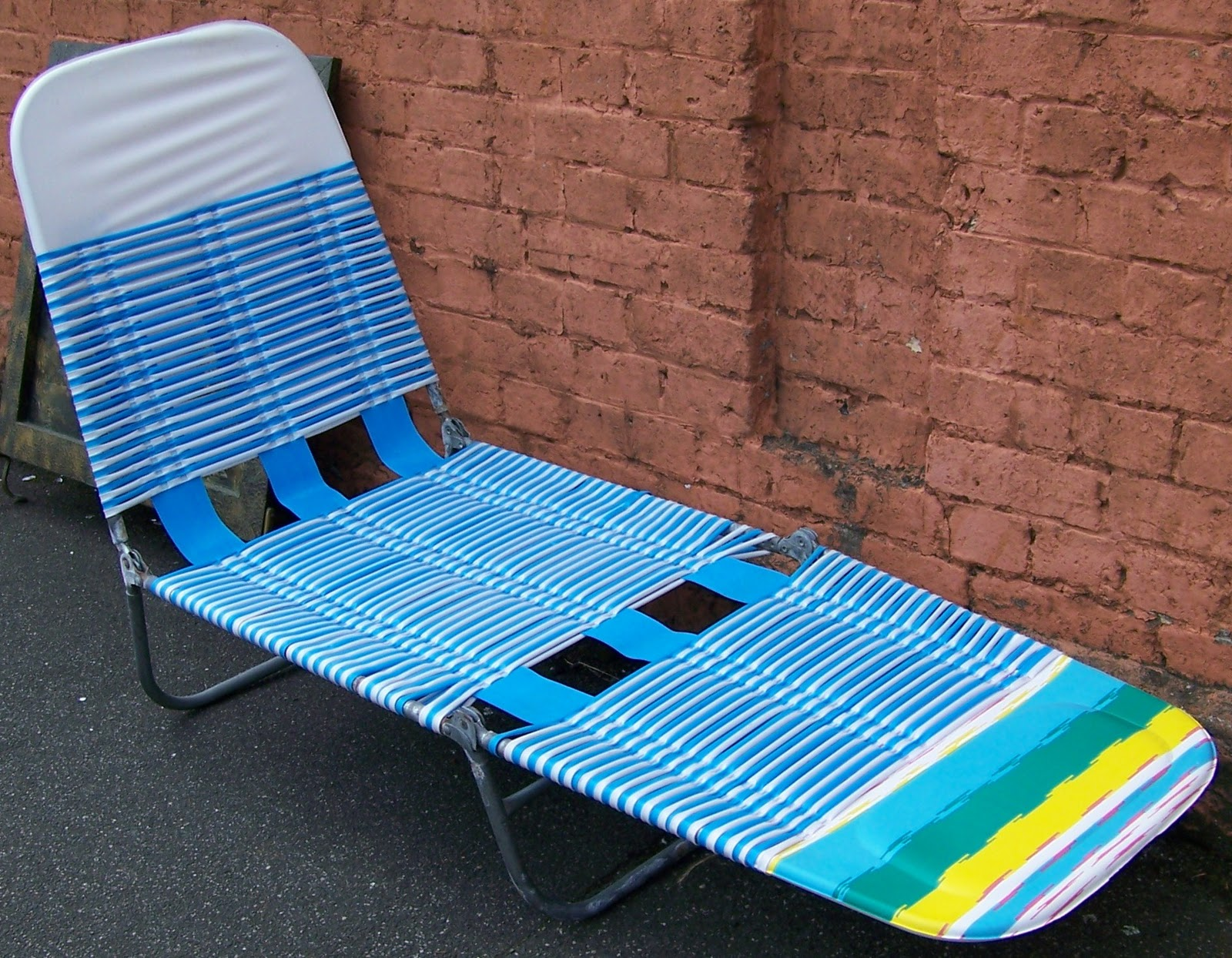 Folding Banana Lounge Chair Cushion Covers Canada Recycled Relix October 2011
