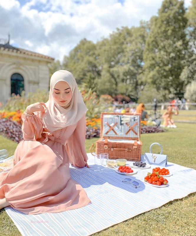 أزياء الحجاب العصرية  النزهة