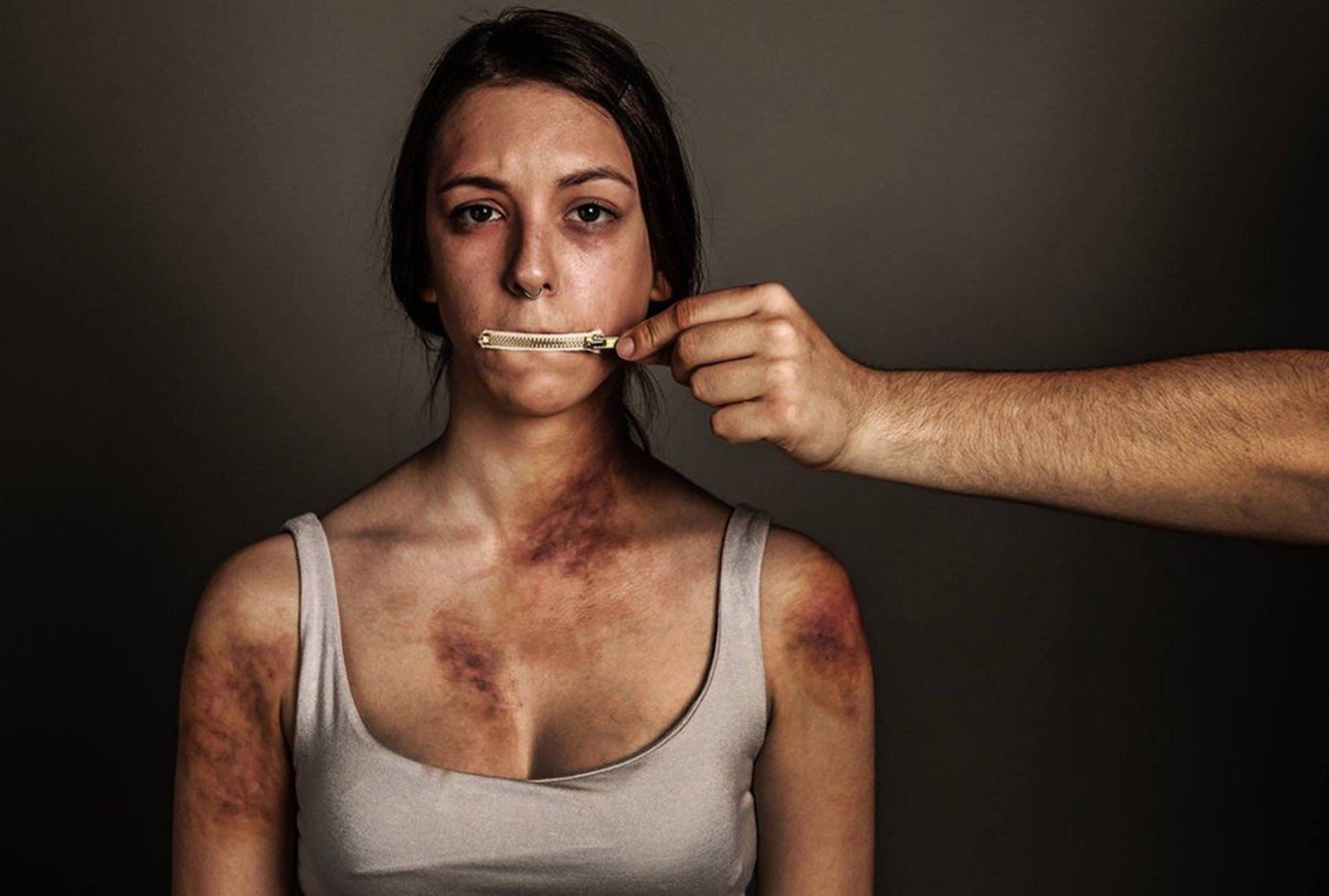 ΑΜΘ: 1.001 καταγγελίες ενδοοικογενειακής βίας την πενταετία 2016-2020