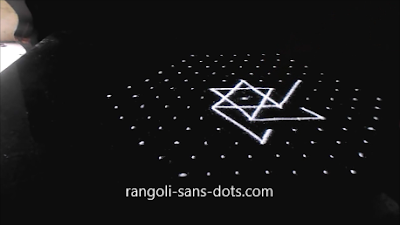 Sangu-kolam-with-dots-1211ab.jpg