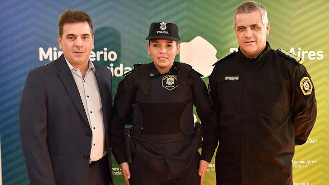 Ritondo recibió y ascendió a Celeste Ayala, la oficial que amamantó al bebé del Hospital de Niños de La Plata
