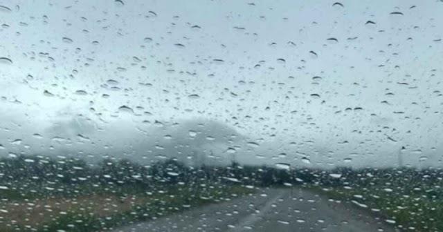 Όταν βρέχει ταξιδεύει το μυαλό.
