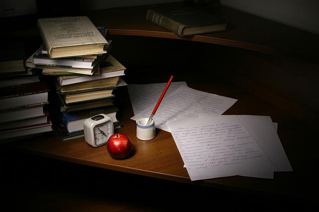write a good essay.