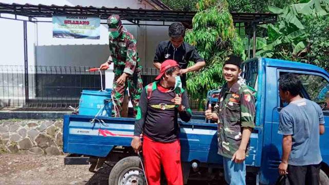 Pemuda Ansor ikut gerakan pencegahan Corona di Desa Margaluyu