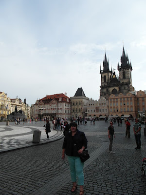 Szary kotek i Praga
