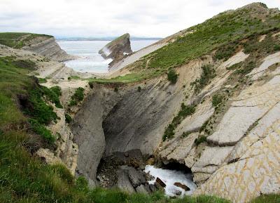 Ojo de Mar de Cala Madero.Viajar a la Costa Quebrada. Qué ver en la Costa Quebrada
