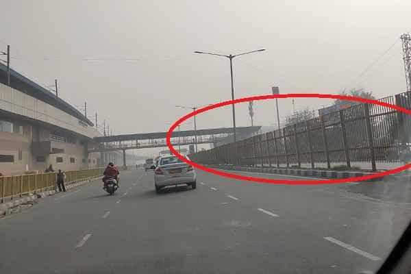 faridabad-national-highway-high-divider-barrier-on-road-good-work