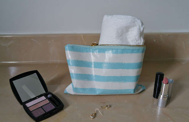 #TenaTips overnight pads fit in a cute bag #ad #CBias