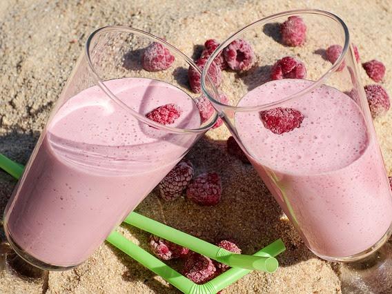 Smoothie cu zmeură și lobodă: Băutură răcoritoare și hrănitoare