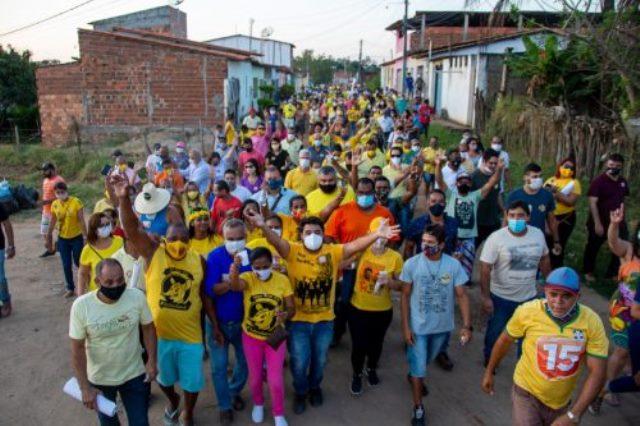 Prefeito de Itapetinga promove aglomeração