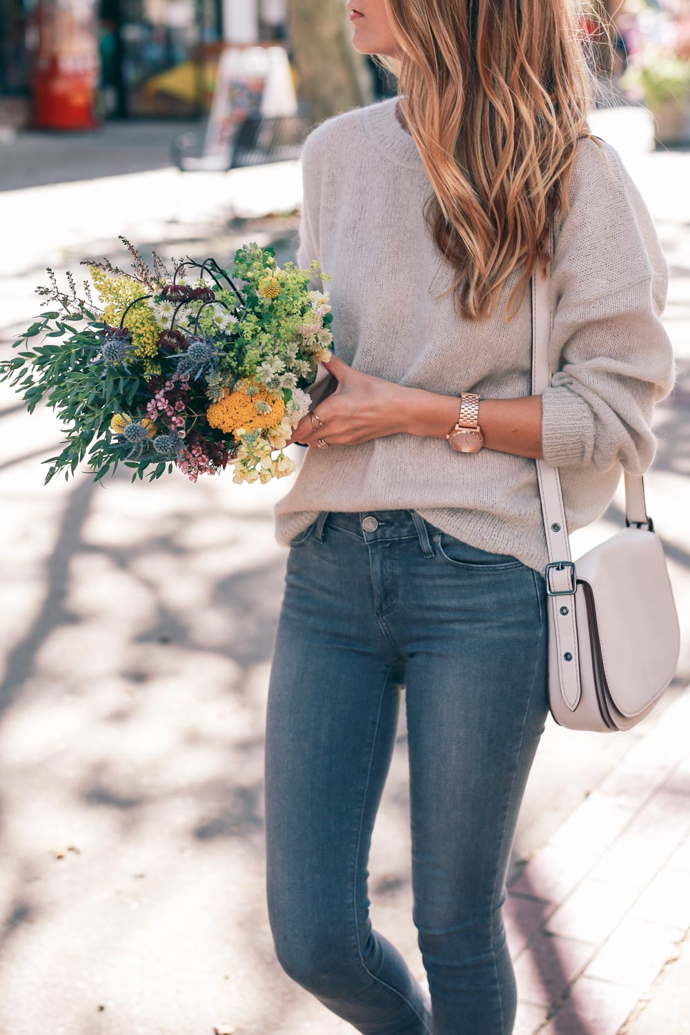fashion-blogger-isabel-marant-mohair-sweater-skinny-jeans-and-sneakers