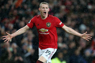 JUST IN: Manchester United midfielder signs new five-year deal