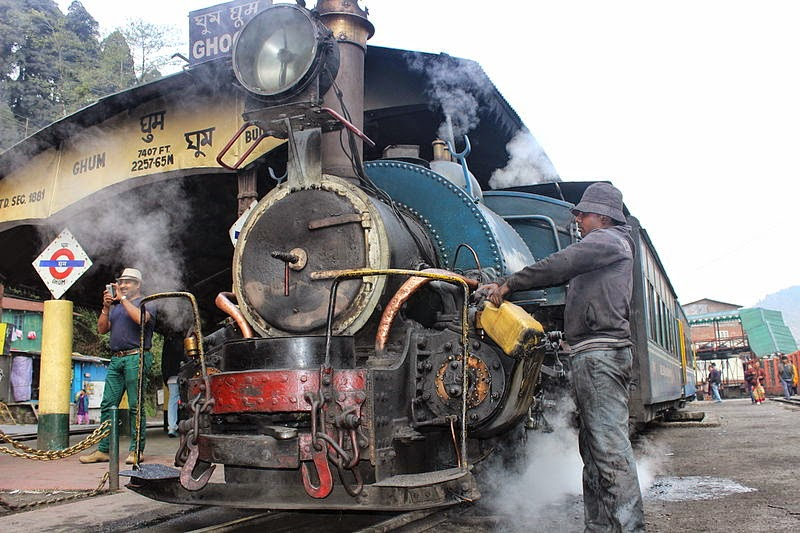 Himalayan_Railways