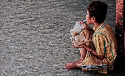 Perbedaan antara orang yang benar-benar miskin dengan orang yang berjiwa miskin benar-benar