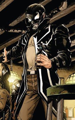 Lee Price, antiguo Venom, con el simbionte Venom