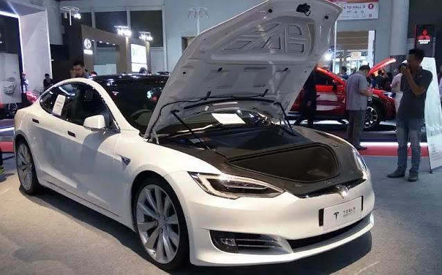 Harga dan Pajak Mobil Tesla