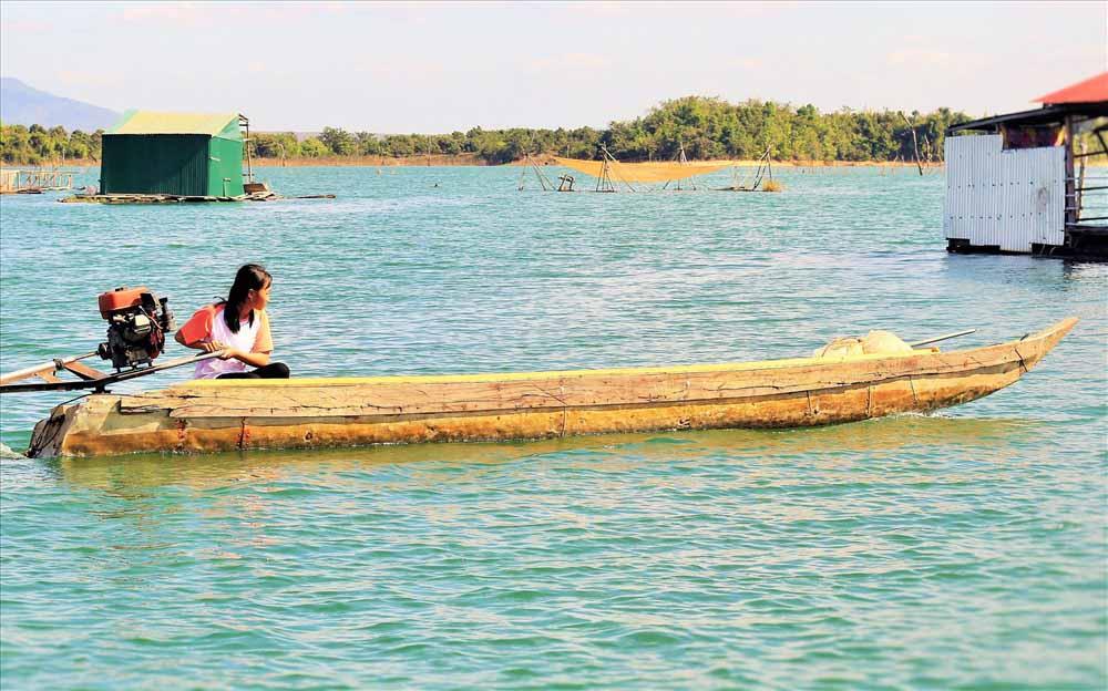 Hồ thủy điện Sê San 4 bồng bềnh hư ảo