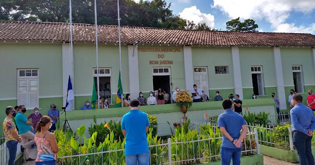 Prefeitura Municipal do Bom Jardim Pernambuco em 19 de Julho aniversário de Bom Jardim