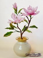 Розовая магнолия из  холодного фарфора.