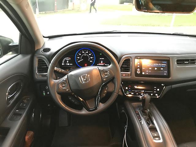 Interior view of 2019 Honda HR-V AWD Touring