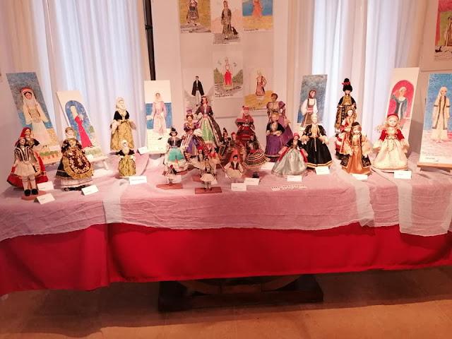 Εξαιρετική έκθεση με κούκλες ντυμένες με παραδοσιακές φορεσιές στο Μουσείο Παιχνιδιών Ερμιόνης