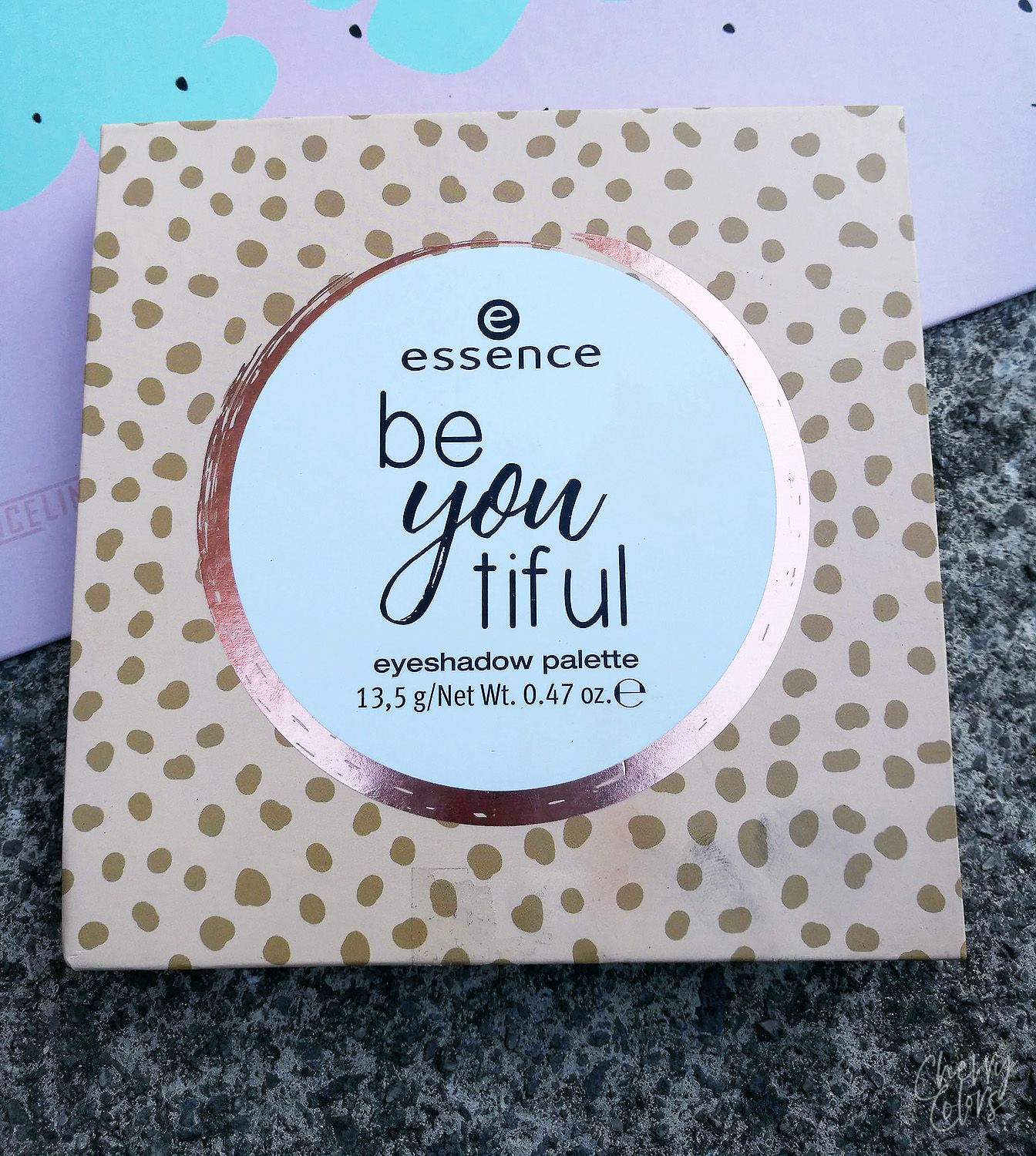 ESSENCE BE YOU TIFUL PALETTE