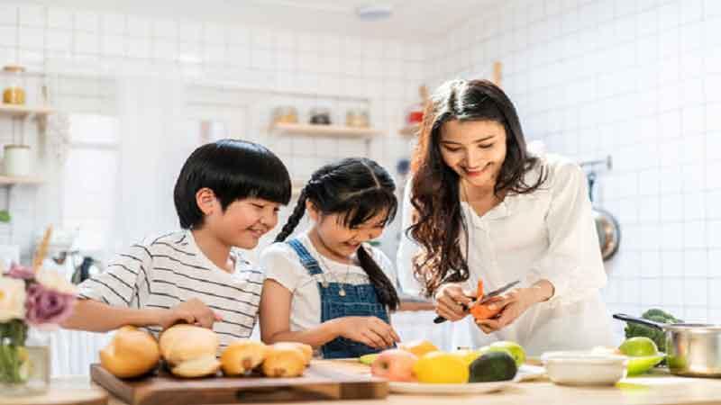 5 Tips Memasak Bersama Anak Paling Aman, Nyaman dan Menyenangkan